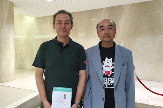 左が基本動作奨励賞の磯部さん、右は県会長でもある熊切磐田南支部長