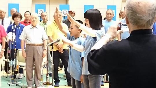 選手宣誓は岐阜県協会のジュニア会員二人が務めました