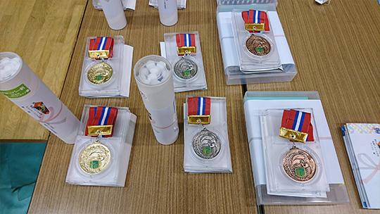 今年から贈呈されることになった入賞メダル