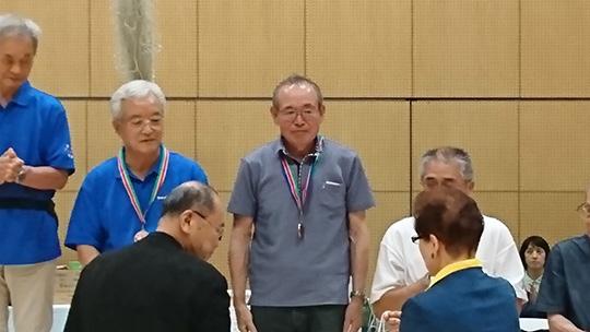 表彰を受ける古川さん