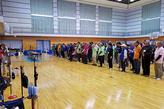 開会式、参加者整列の様子。