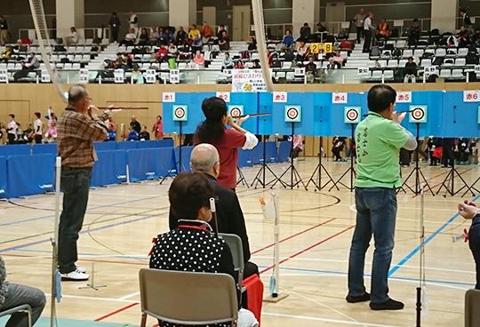 10m選抜出場の県勢3名(左から古川さん、杉山さん、伊澤さん)