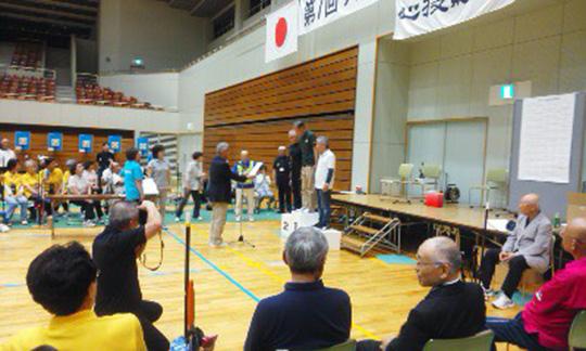 写真が遠いですが、中央がGS優勝の山本素夫さんです